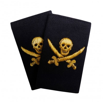 Pirat - Sjørøver - Dødningshode kryssende sabler - Distinksjoner